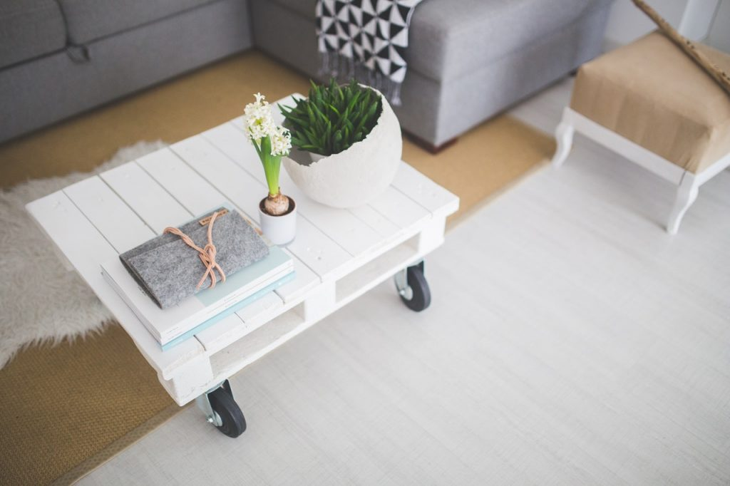 Rochester Hills Cleaning Pros specialize in clean living rooms